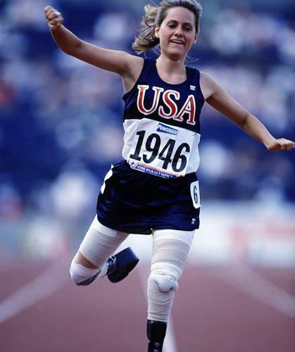 Параолимпийский чемпион 1996 года 100 метров Эйми Маллинз
