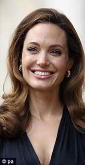 Анджелина Джоли в топе лучших улыбок