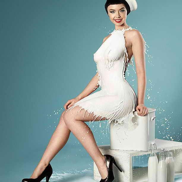 Платье из молока